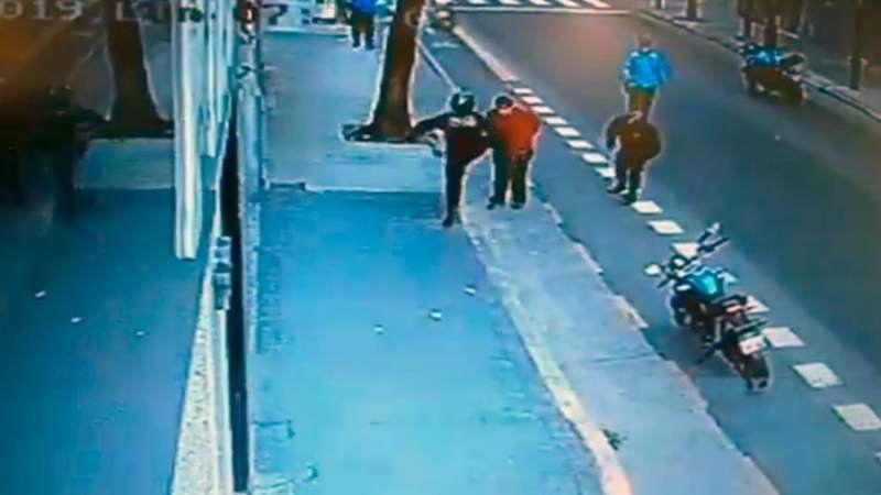 Quién es el hombre que murió golpeado por un policía de la Ciudad y qué dice la autopsia
