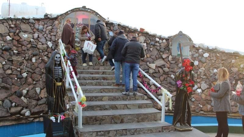 Miles de personas rinden culto a San La Muerte en San Vicente