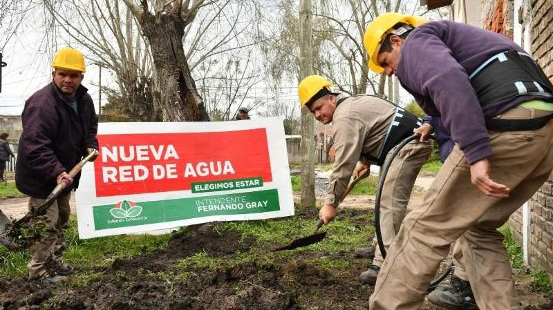 Avanzan las obras de agua potable en Esteban Echeverría