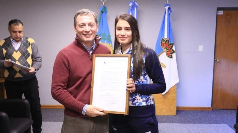 Distinguieron a dos deportistas echeverrianas de nivel mundial