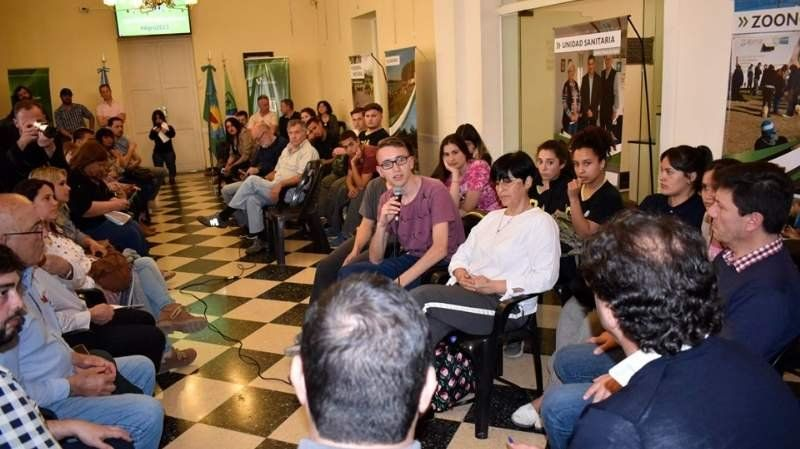 Discusión por los caminos rurales de San Vicente y otros temas del campo