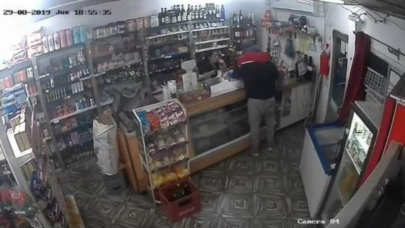 Video: así robaron un almacén en San Vicente