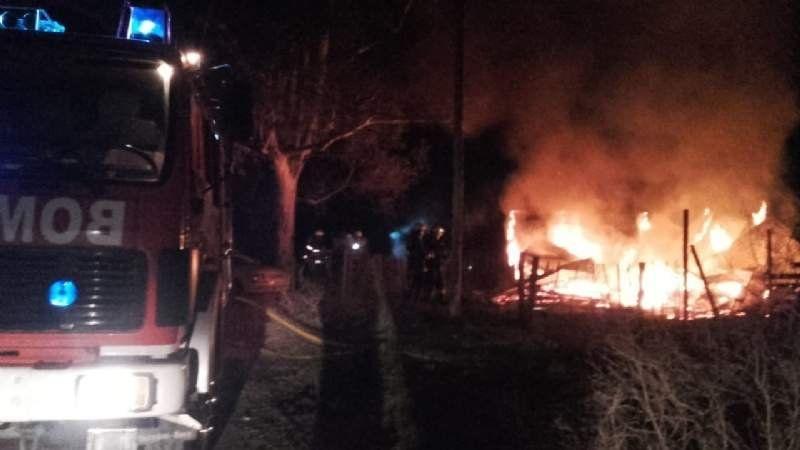 Se incendió una casa en Ezeiza y los propietarios quedaron en la calle