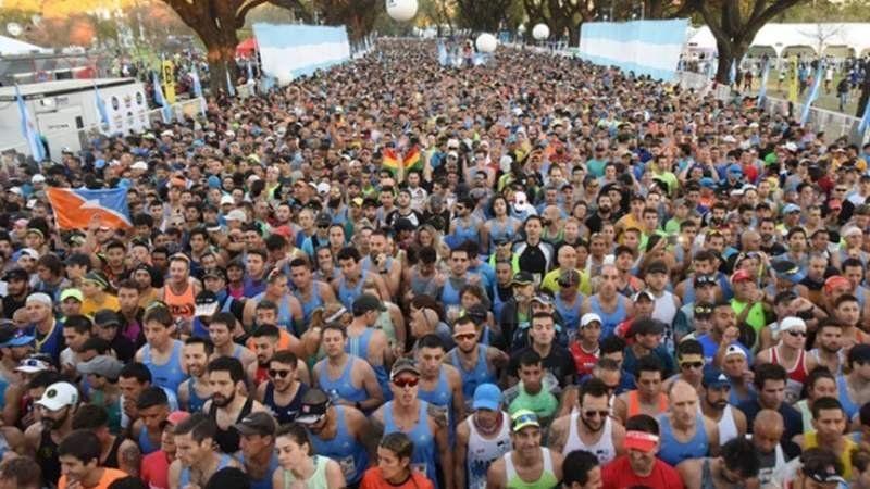 Un récord y más 10 mil personas en la Maratón de Buenos Aires