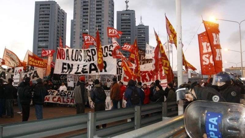 Organizaciones de izquierda anticiparon cortes y movilizaciones para este martes