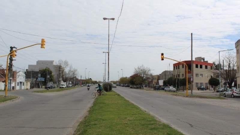 Colocaron un nuevo semáforo sobre la ruta 210 y hay polémica