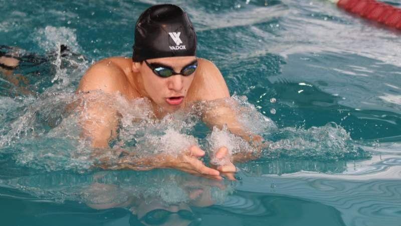 Juegos Bonaerenses: Echeverría se tiró al agua y comenzó a preparar su debut en natación