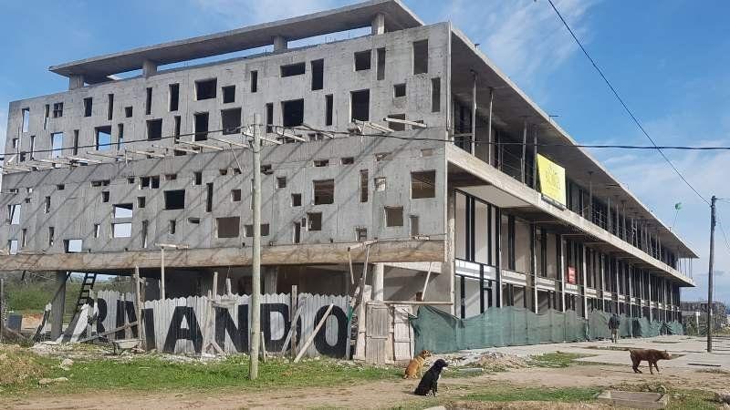 Alertan por riesgos en la obra de Robles de San Vicente