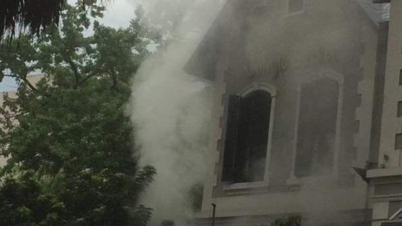 Se incendió el colegio Barker del centro de Lomas