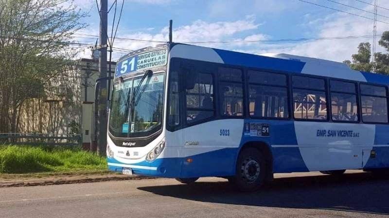 Ya funciona el primer colectivo directo desde San Vicente a Constitución: los horarios