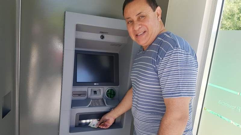 Ya instalan cajeros automáticos en Domselaar por primera vez