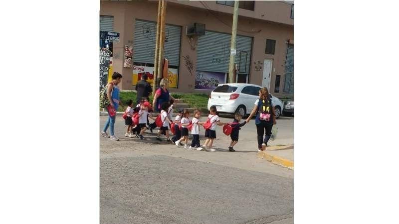 Video: caos en Tristán Suárez por nuevas amenazas de bomba en diferentes colegios