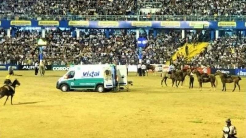 Un jinete falleció tras ser aplastado por su caballo en el Festival de Jesús María
