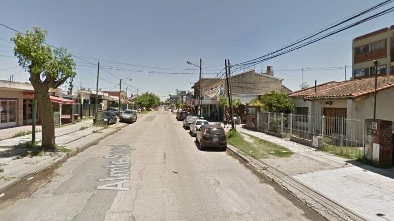 Tres jóvenes fueron detenidos cuando robaban una casa de Llavallol