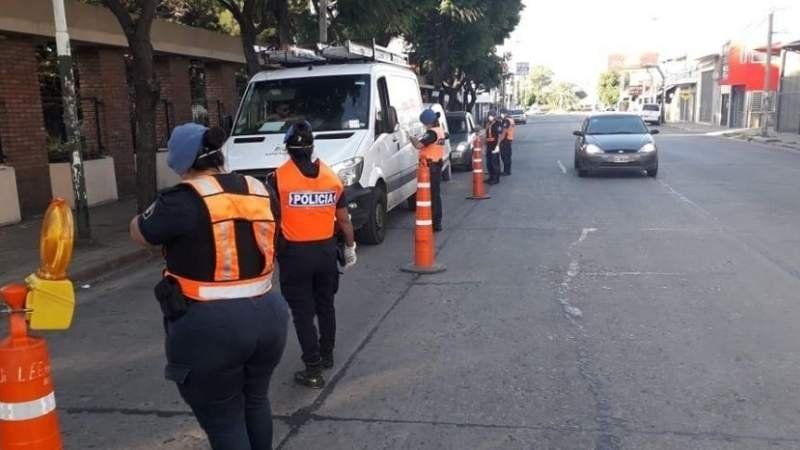 Controles en Esteban Echeverría: aumentó la cifra de imputados por salir sin permiso