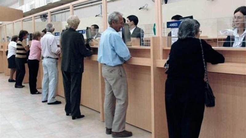Los bancos abrirán sus puertas el viernes: Quiénes y para qué podrán ingresar