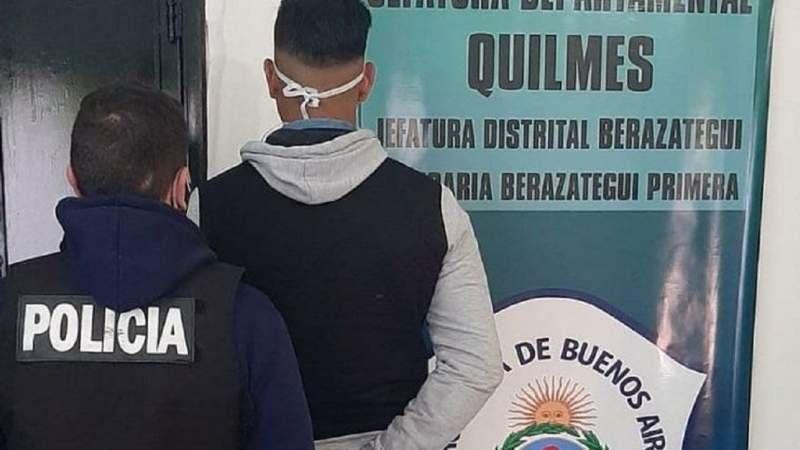 Mataron a un adolescente por la espalda en Berazategui y detuvieron a un policía