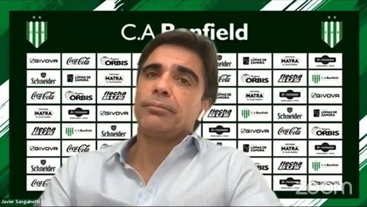 Javier Sanguinetti fue presentado como DT por videoconferencia. Reemplazará en el cargo a Julio César Falcioni.