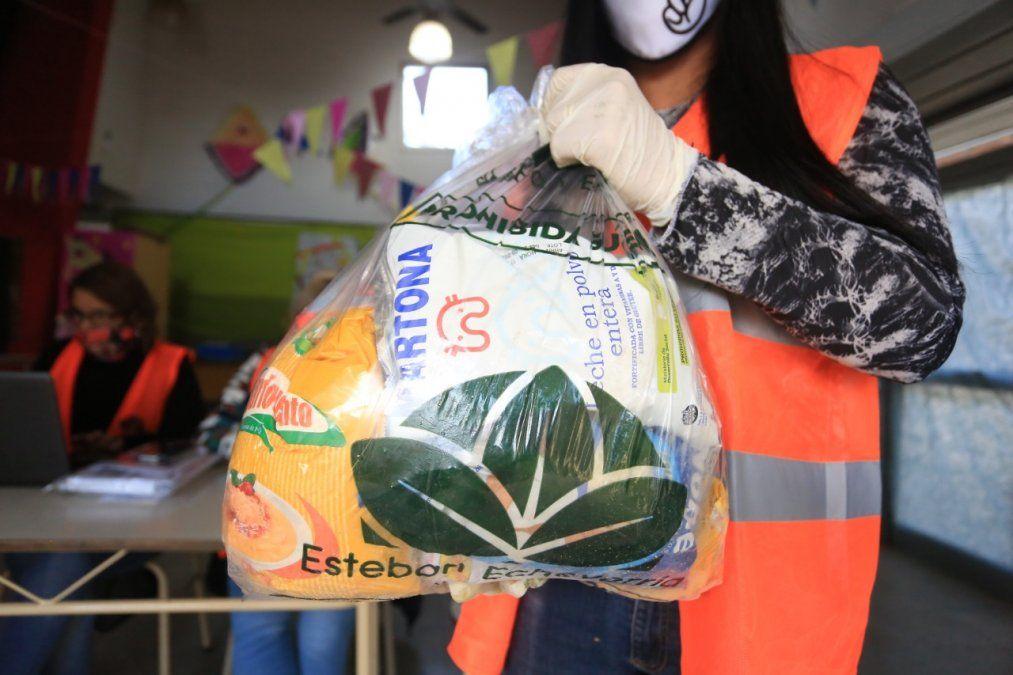 Esteban Echeverría: 73 mil bolsones alimentarios entregados