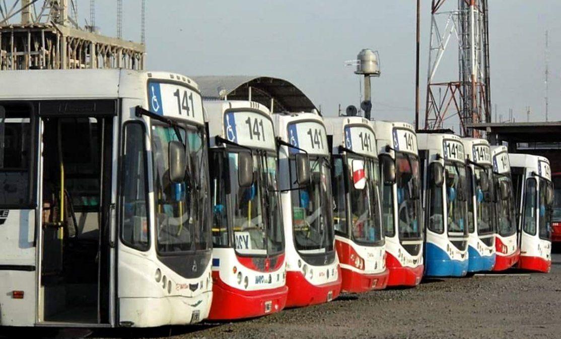La línea 141, que une Lomas de Zamora con Capital Federal, atraviesa una grave crisis económica.