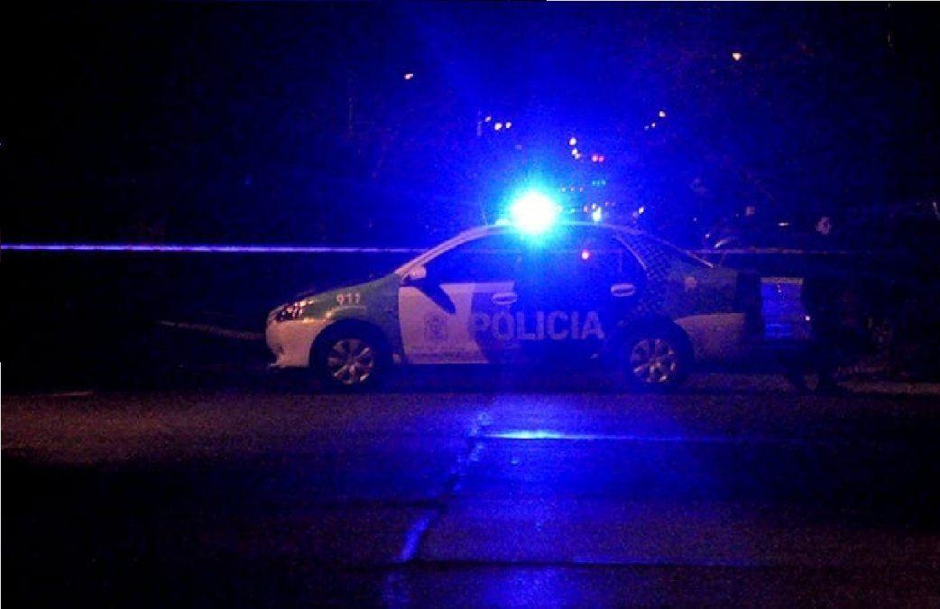 Motochorros a los tiros en Alejandro Korn: escaparon por los techos y cayeron