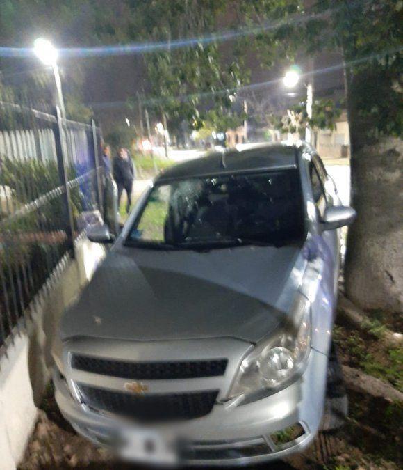 Dramática noche en Lomas: robo, persecución, choque y tiroteo