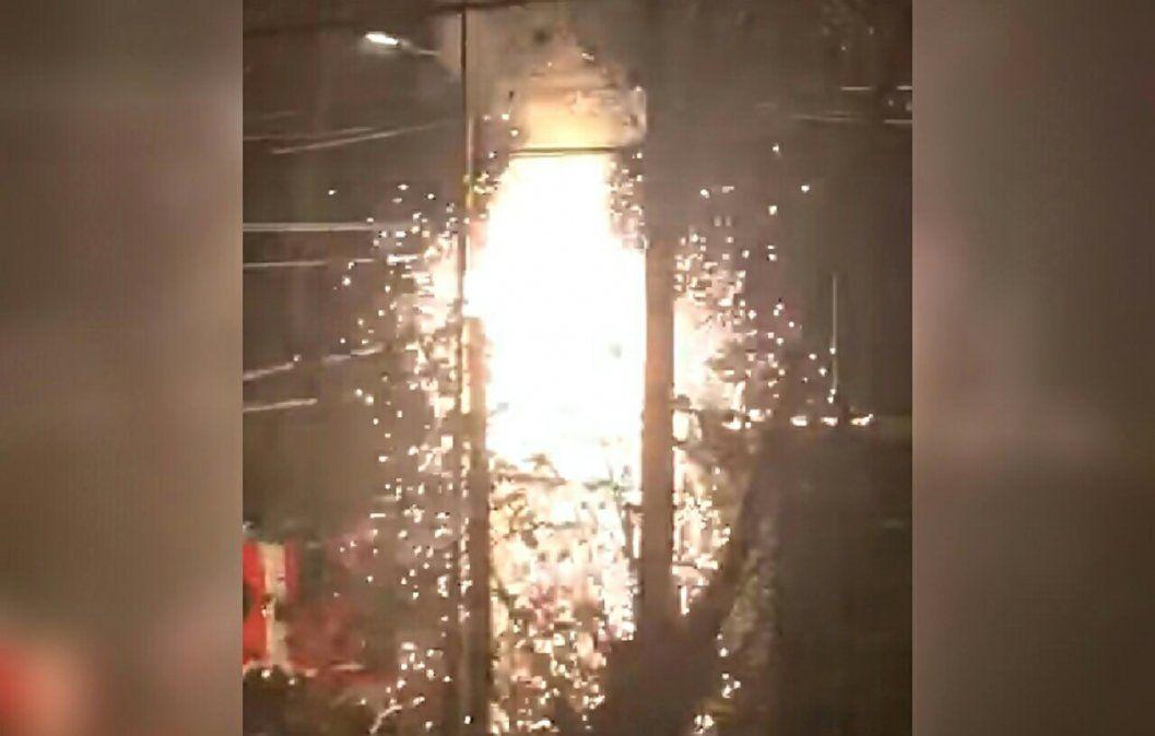 Banfield: explosión e incendio dejó a varios vecinos sin luz
