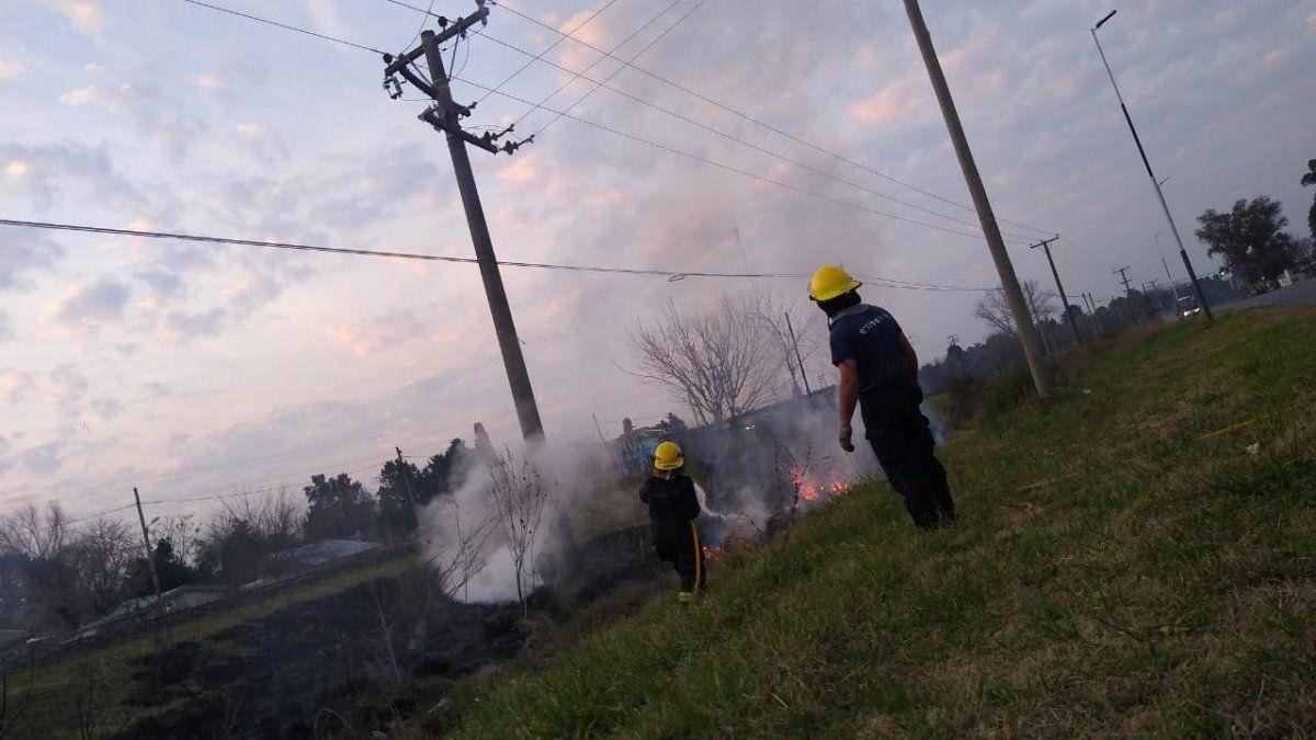 Fin de semana en llamas para los bomberos de Ezeiza