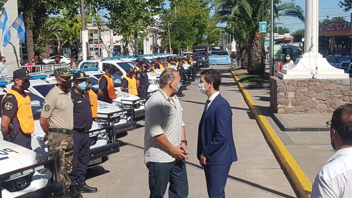Mantegazza y Berni presentaron patrulleros en San Vicente sin Kicillof