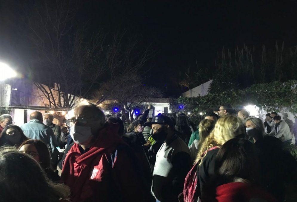 Foto de los festejos del Frente de todos luego de su victoria en las PASO en Lanús.