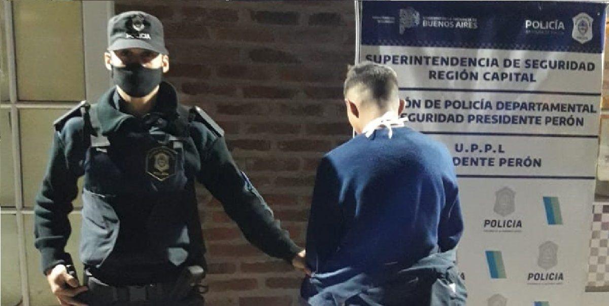 Guernica: una joven detuvo a un delincuente, ayudada por los vecinos