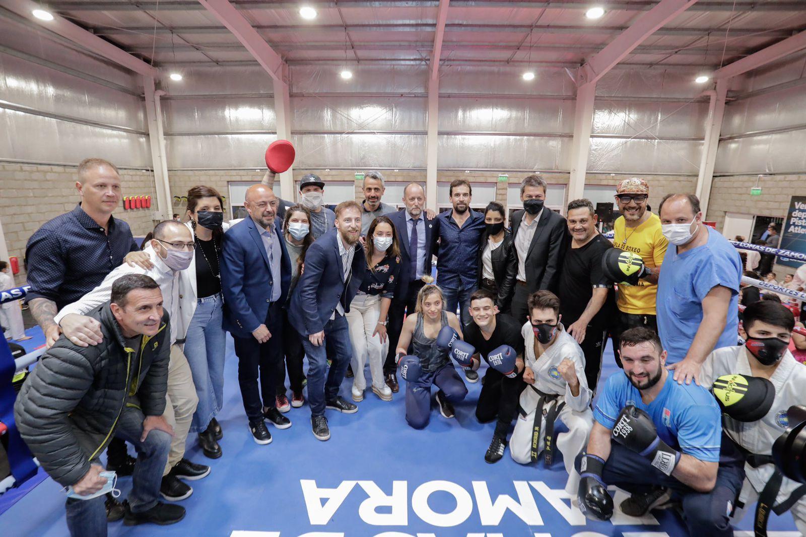 inauguraron el nuevo gimnasio de deportes de contacto en el parque de lomas