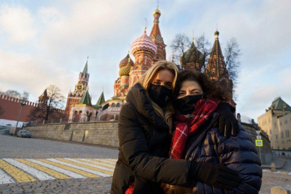 Cecilia Nicolini y Carla Vizzotti en Moscú, en uno de los tantos viajes para negociar por vacunas Sputnik V.