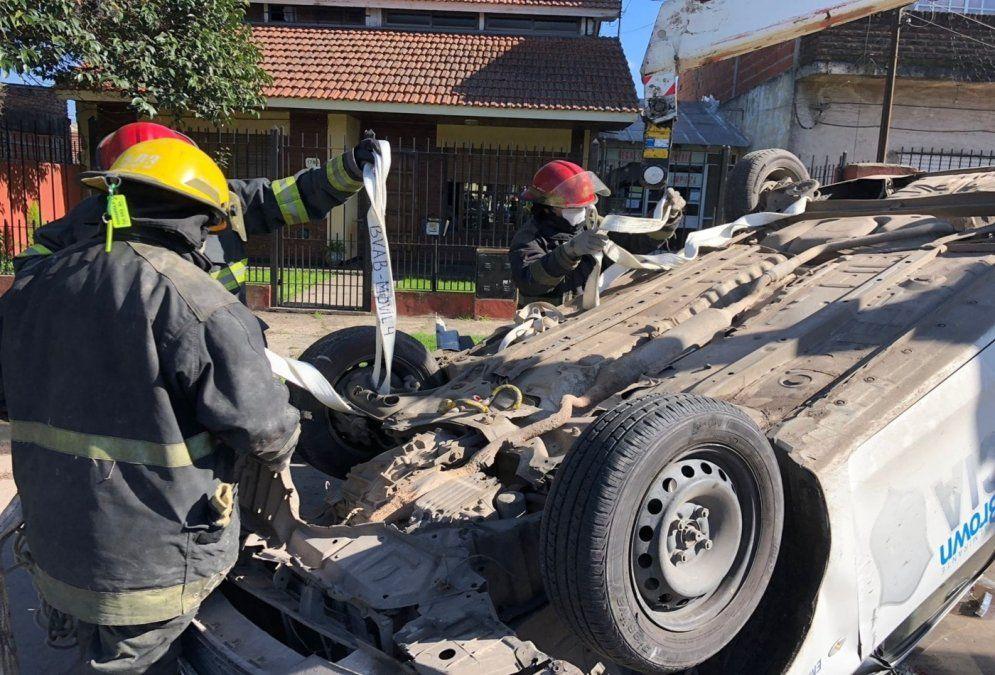 Volcó un patrullero en Burzaco: policías hospitalizados