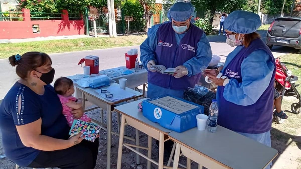 Operativo de vacunación para niños en Lomas de Zamora