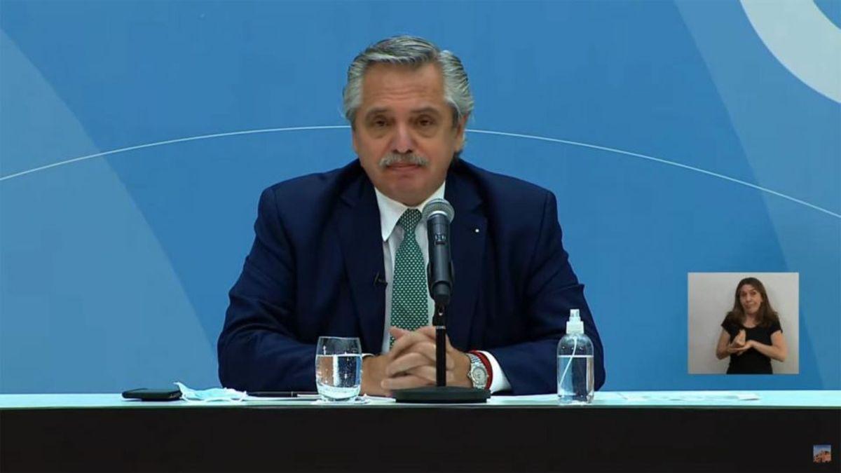 Alberto Fernández anunció un bono de $6.500 para personal de la salud