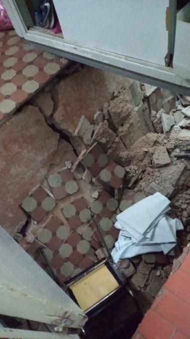 Alerta en el Lucio Meléndez: cedió un piso y tuvieron que evacuar pacientes