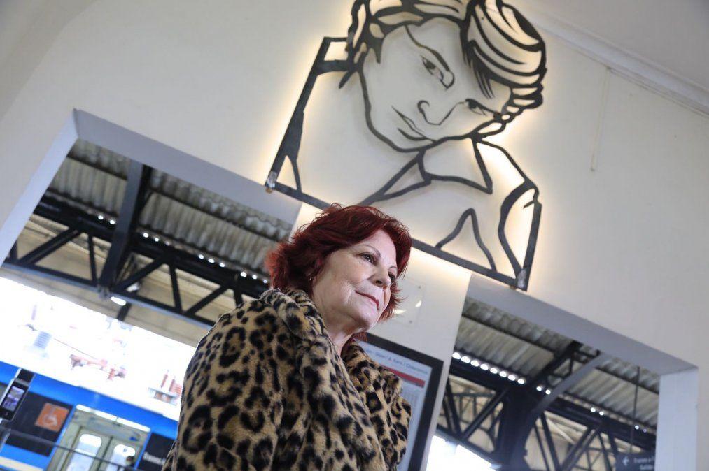 Olga Garaventa, viuda de Sandro, participó del homenaje en Banfield.