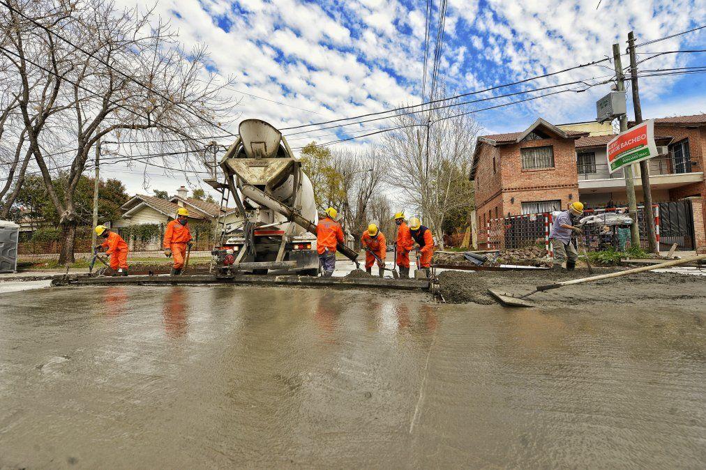 Cortes por asfalto, poda y luminarias en Esteban Echeverría