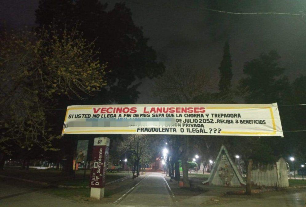Nuevo pasacalle de venganza en Lanús: Chorra, trepadora y fraudulenta