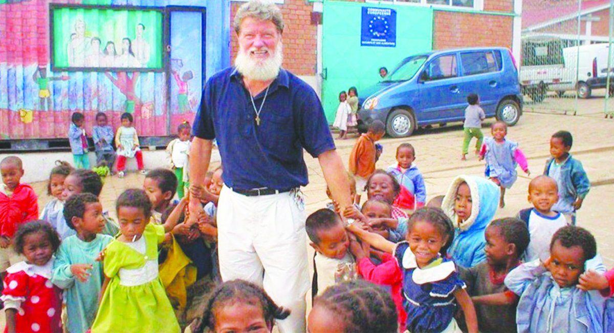El sacerdote argentino Pedro Opeka fue nominado al Premio Nobel de la Paz.