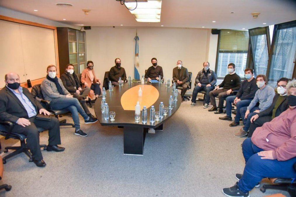 Intendentes de la región apuntaron contra Edesur por los cortes de luz: reunión en el ENRE