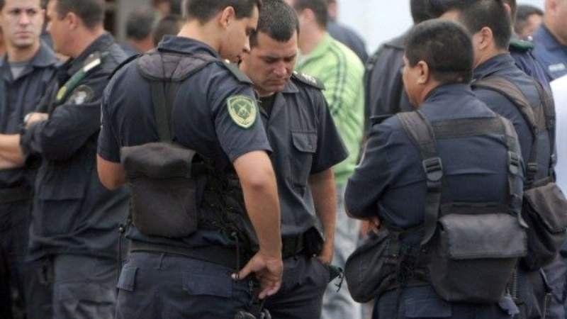 La Policía Bonaerense no podrá utilizar su celular durante el horario laboral
