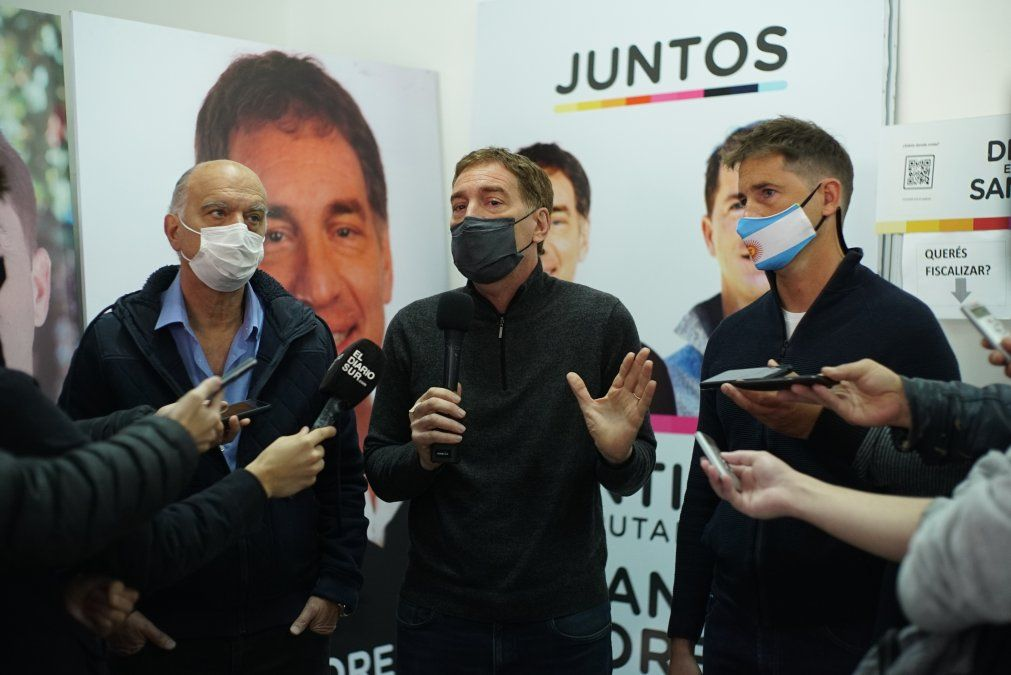 Diego Santilli junto a Evert Van Tooren y Néstor Grindetti en Esteban Echeverría.