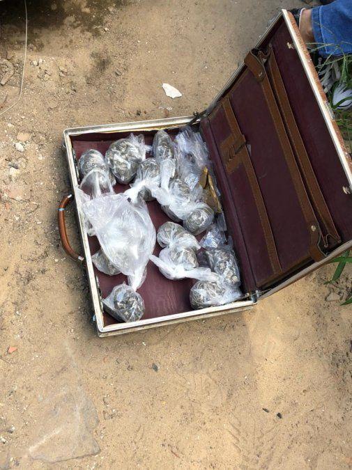 Ezeiza: desarticularon a una banda que comercializaba droga a través de maletines