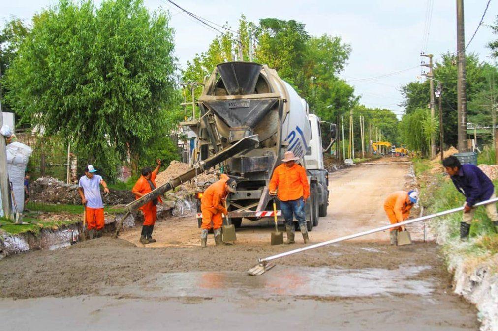 Hacen 4 nuevas cuadras de asfalto en San Vicente