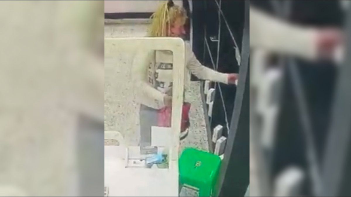 Mechera quedó filmada mientras robaba en Monte Grande