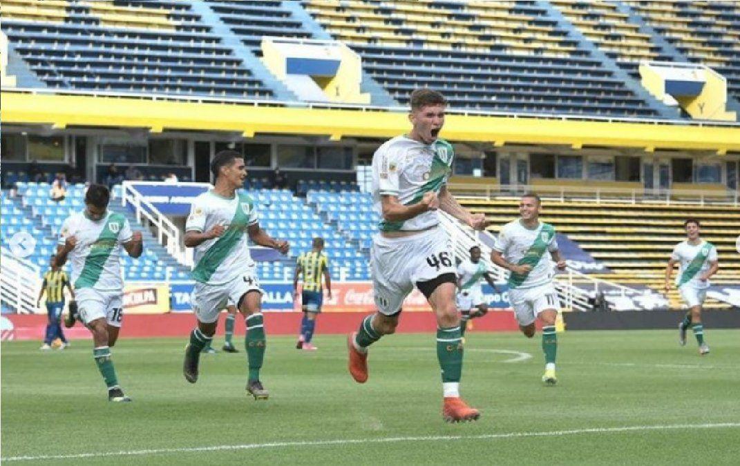 Video: El golazo de Julián Eseiza, el joven de San Vicente que marcó por primera vez en Primera
