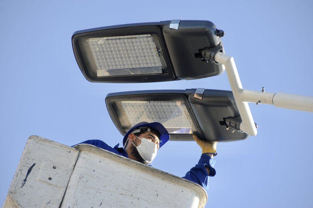 Renuevan la iluminación de La Colorada con luces LED