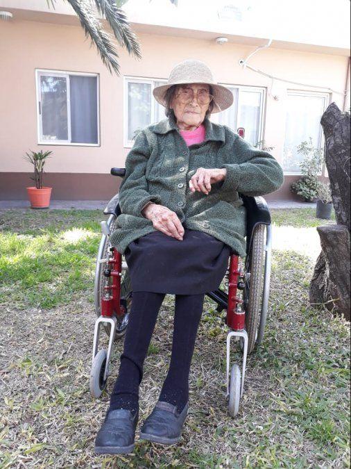 La historia de Yolanda, la vecina de 109 años de Burzaco que le ganó al coronavirus